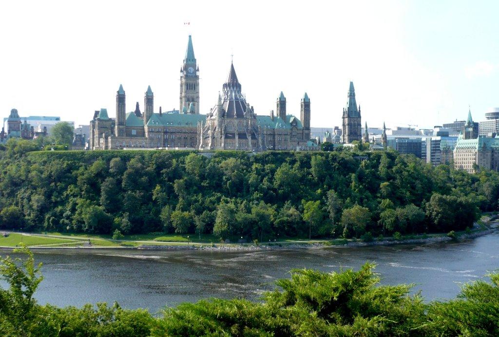 Иммигранты стали причиной резкого увеличения численности населения Канады